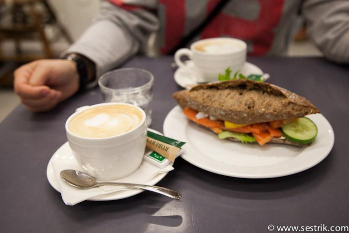 Кафе в торговом центре