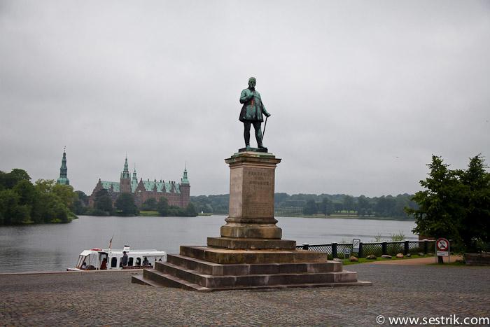 Вид на дворец Фредериксборг