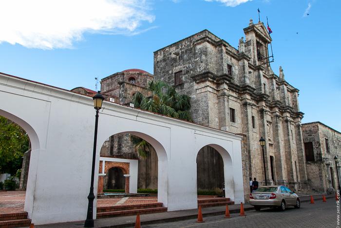 Пантеон в Санто-Доминго (Santo Domingo)