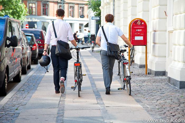 Стильные велосипедисты в Копенгагене
