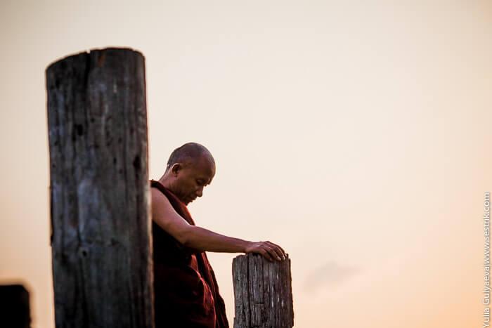 монах в мьянмар