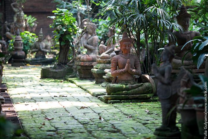 деревянные статуи