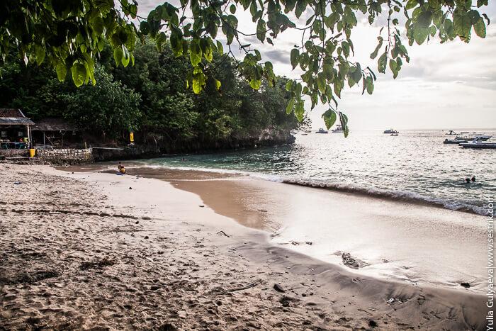дикий пляж на лембонган