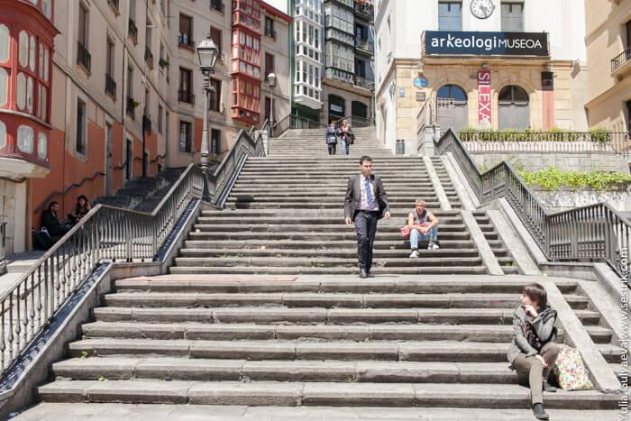 лестница на смотровую площадку в бильбао