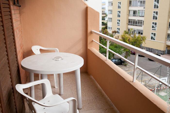 недорогой отель на море в испании