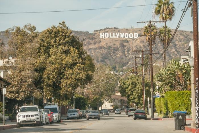 знак голливуд в Лос Анджелесе