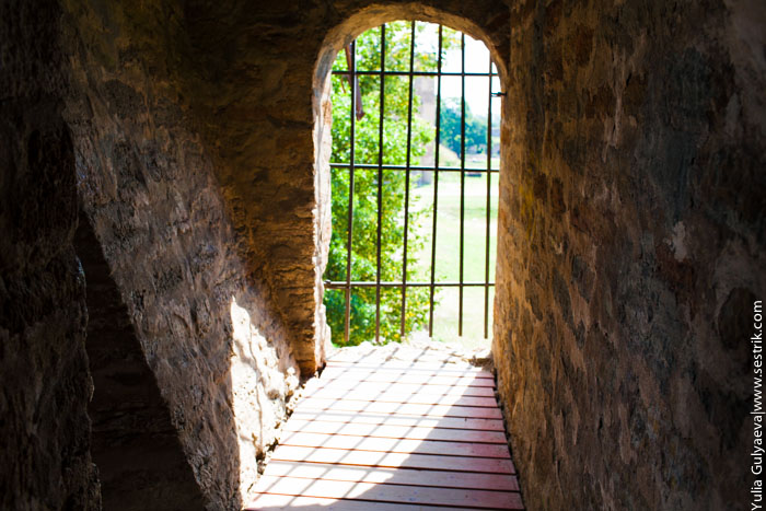 внутри крепости в ивангороде