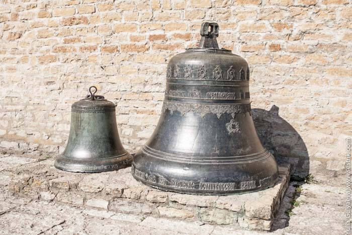 древние колокола в нарвском замке