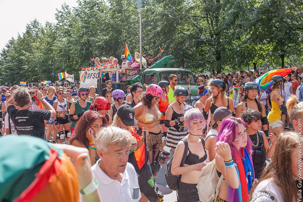 парад сексуальных меньшинств в стокгольме