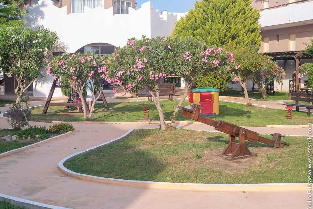 детская площадка в отеле gaia village