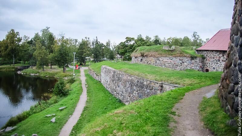 стена вокруг крепости