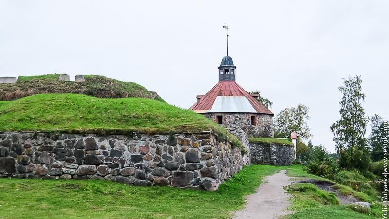стена вокруг крепости корела