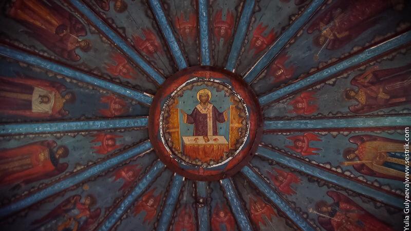 потолок в успенской церкви