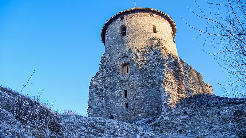 башня венденского замка
