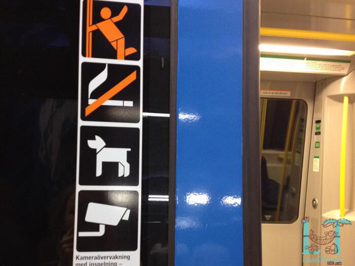 вагоны в метро в стокгольме