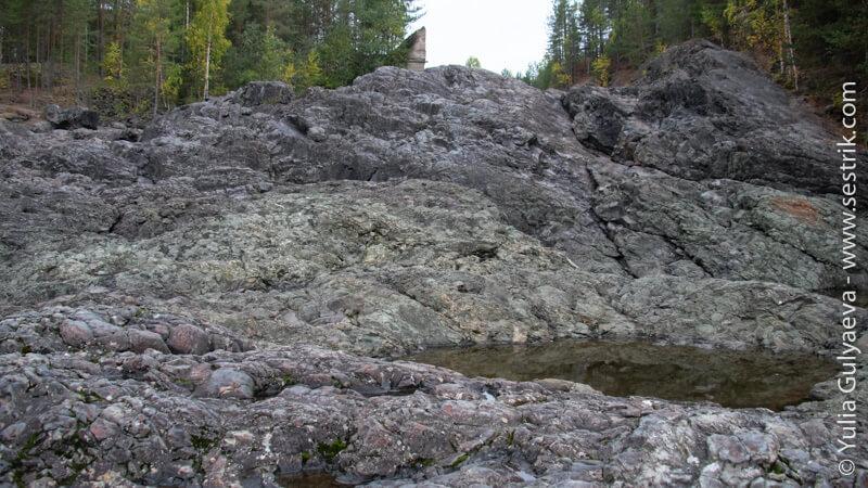 потоки застывшей лавы гирваса