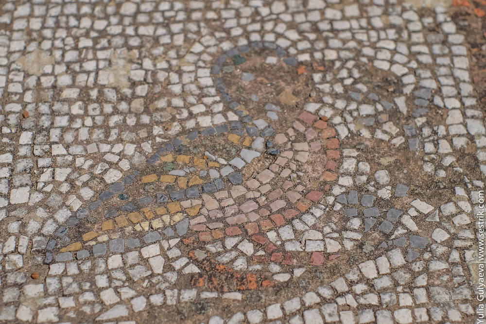 хорошо сохранившиеся древнегреческие мозайки
