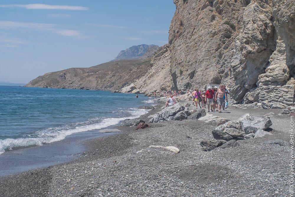 пляж у термального источника на косе