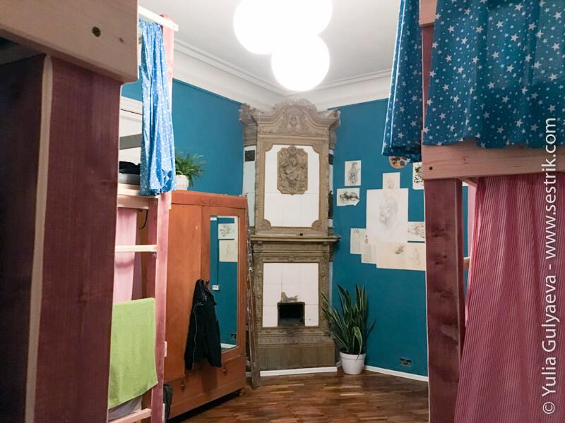 polosatiy-hostel-кровати
