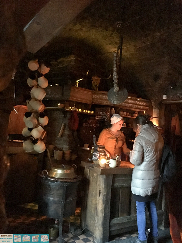 средневековое кафе в центре таллина