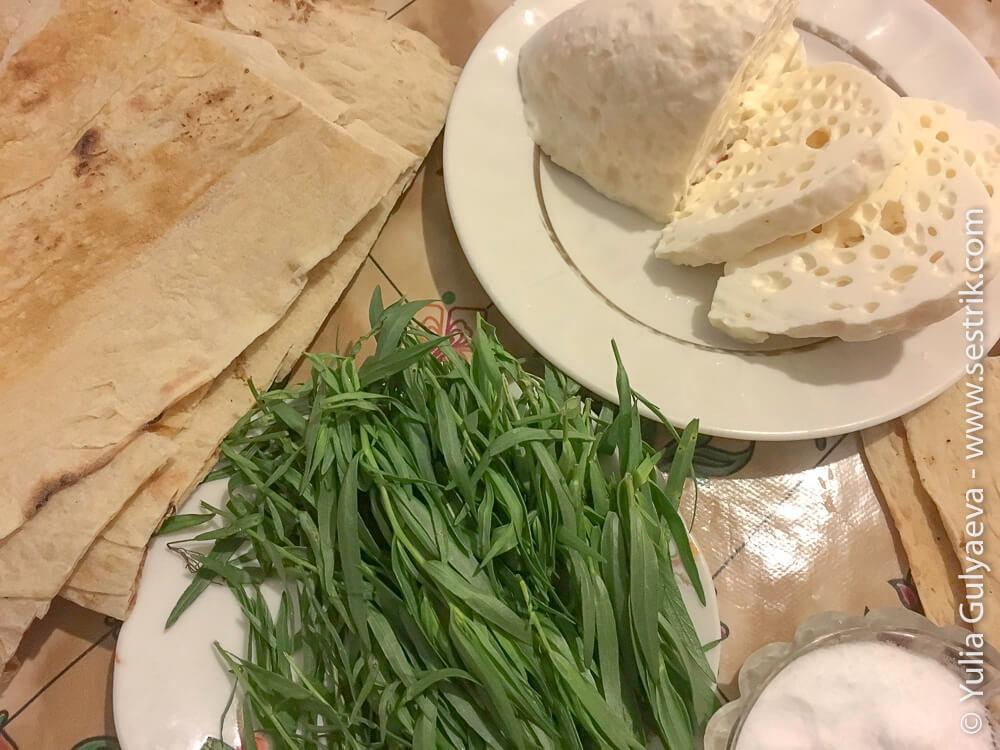 сыр с лавашем и зеленью