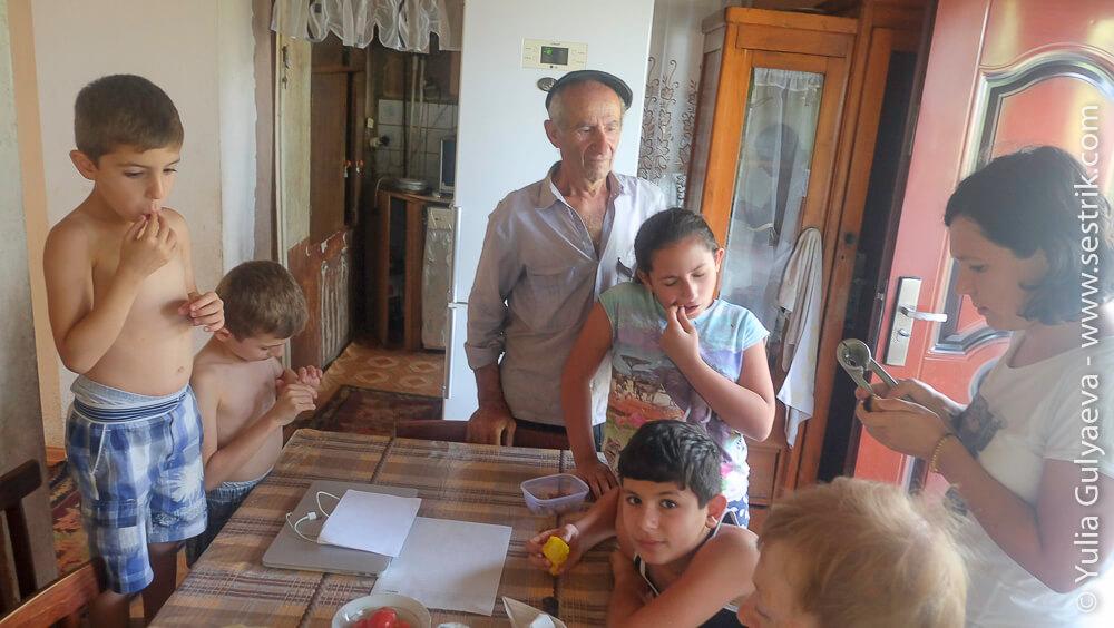 открываем грецкий орех