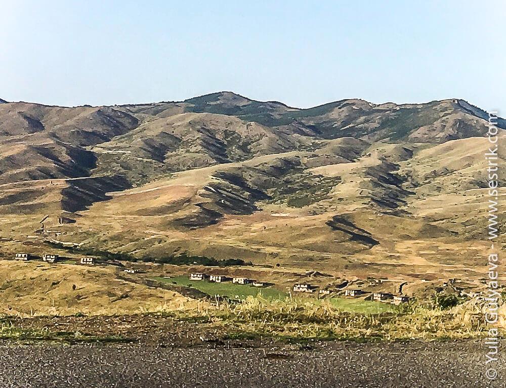 дорога вдоль границы с азербайджаном