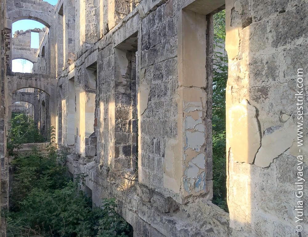 leninakan-здание разрушенной детской больницы