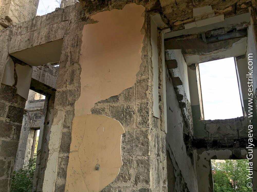 leninakan-гюмри здание больницы после землетрясения