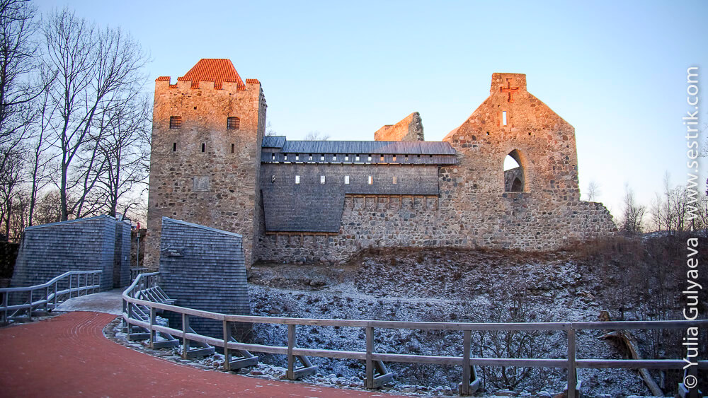 крепость в сигулде