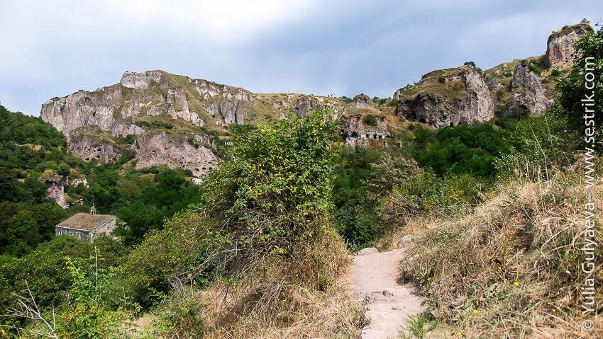 hndzoresk-armenia-погулять по заброшенному городу