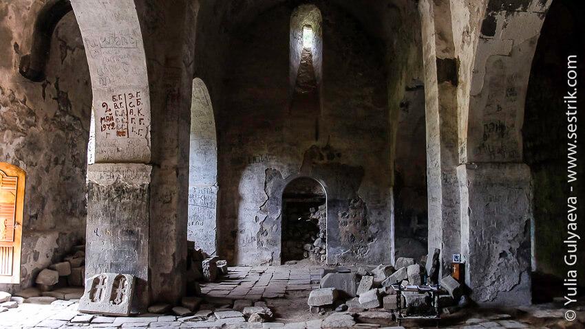 hndzoresk-armenia-старый храм
