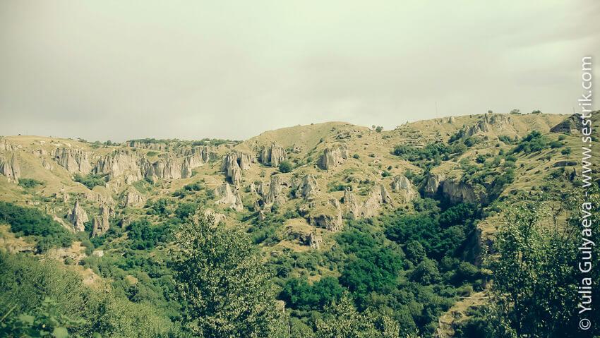 hndzoresk-armenia-древний пещерный город