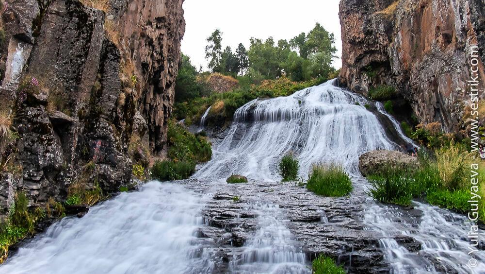 водопад в джермуке