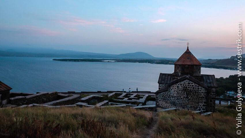 sevanavank-armenia-руины монастыря