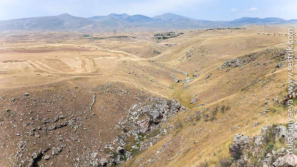 zorac-karer-armenia-груда камней