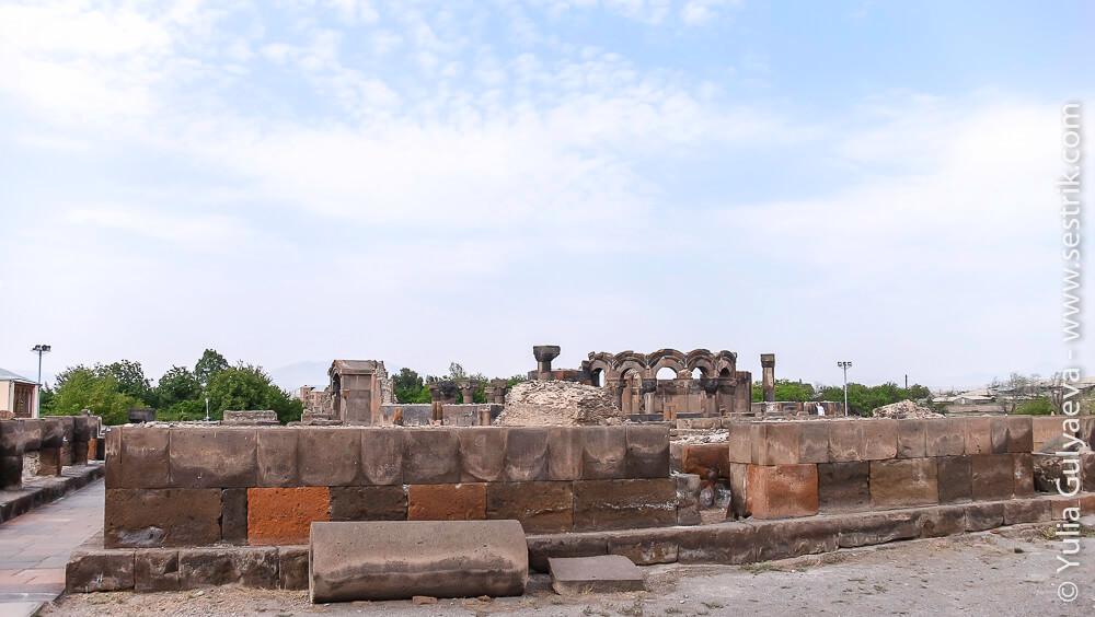 раскопки храма звартноц