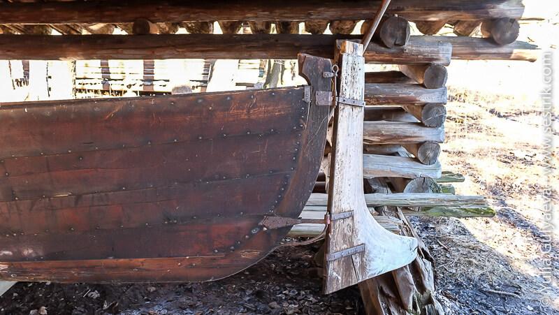 руль деревянной лодки