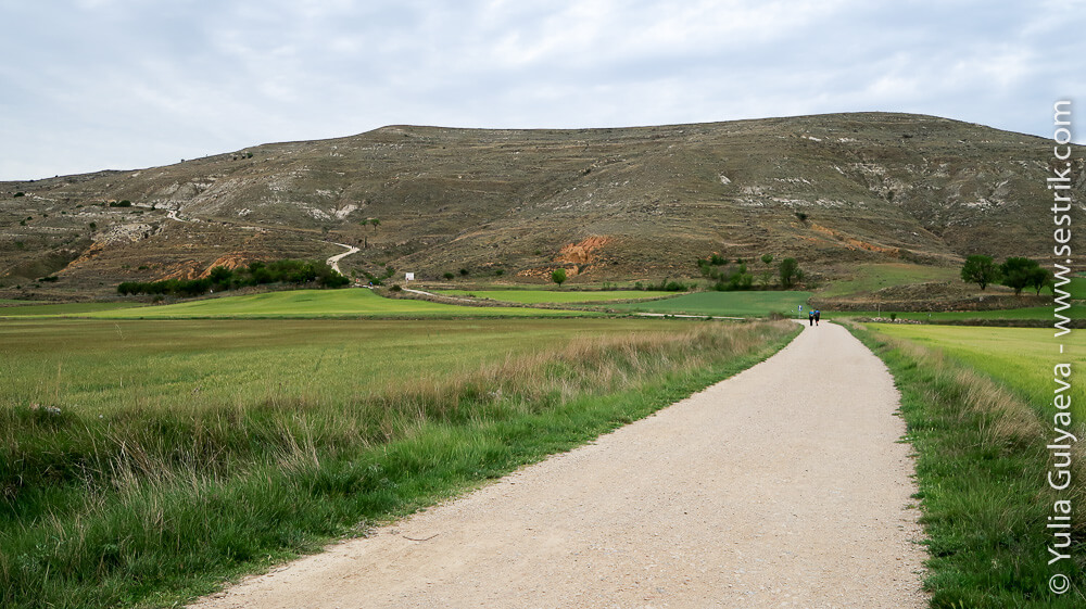 дорога и вид на Альто де Мосталарес