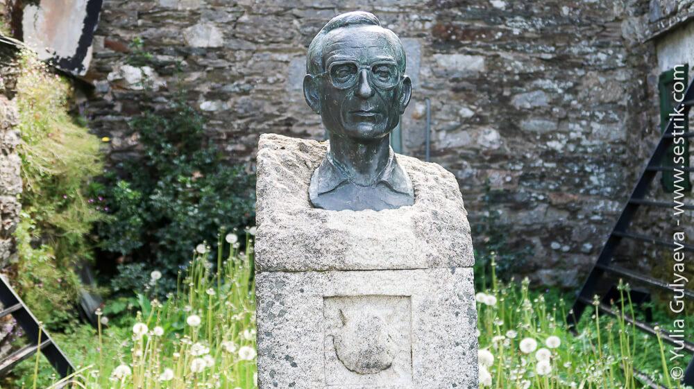 статуя связеннику возродившему путь Сантьяго