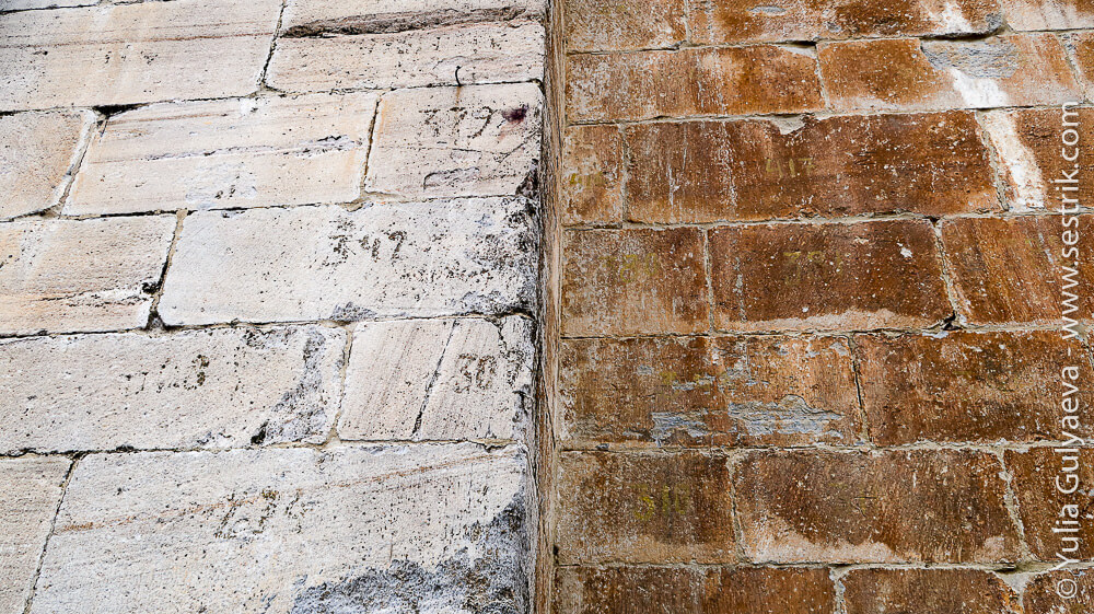 нумерация на кирпичах в Понфераде
