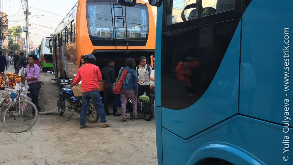 Междугородние автобусы в Катманду