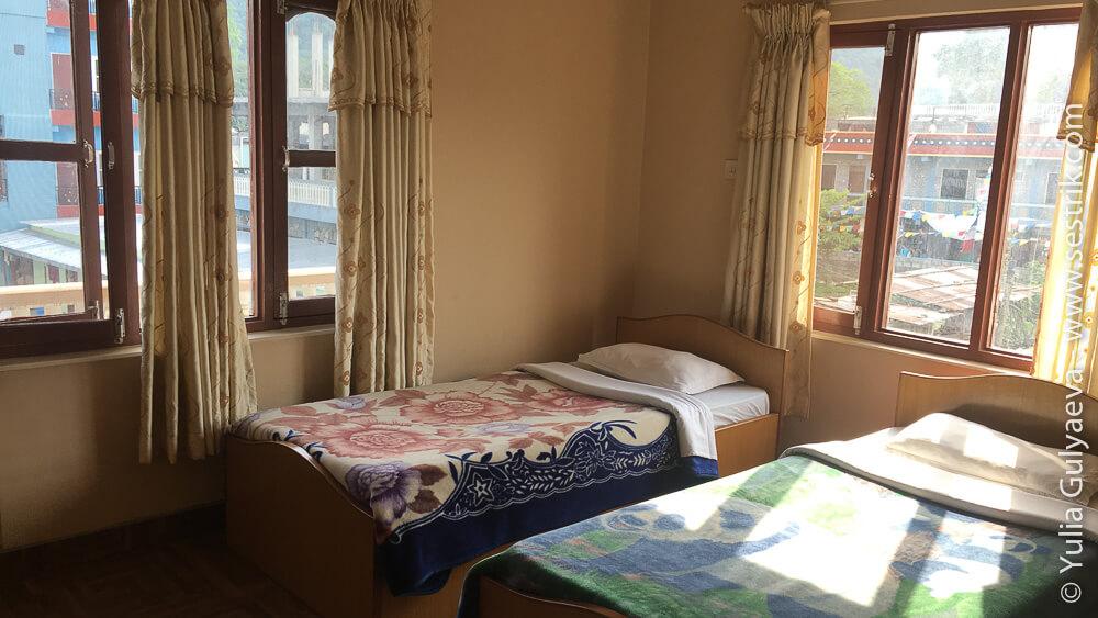 Комната в отеле в Покхаре