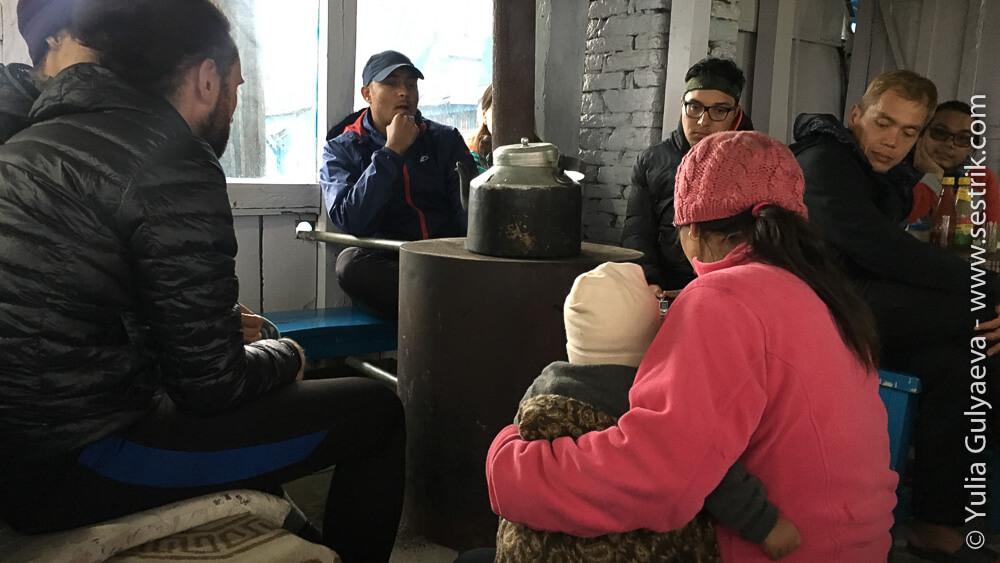 печь в кафе в Непале