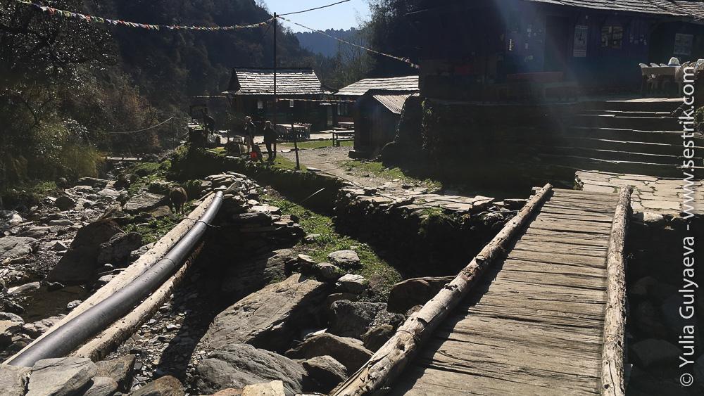Чайный домик на тропе в Непале