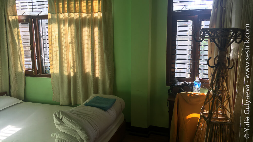 Комната отеля в районе ступпы Боуднатх