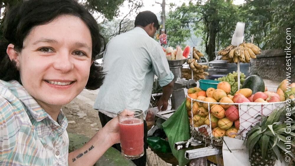 Свежевыжатые соки в Покхаре