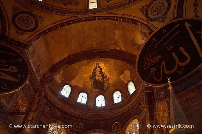 фрески иконы внутри собора святой софии в стамбуле