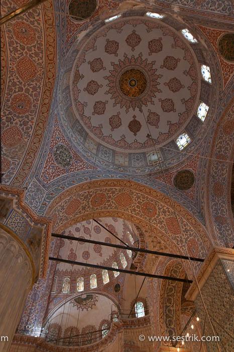 Голубая мечеть внутри орнамент мозайки внутри