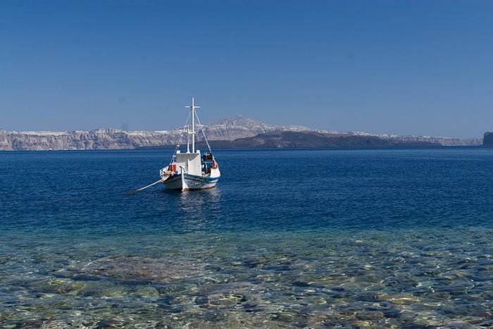 лодка в греции